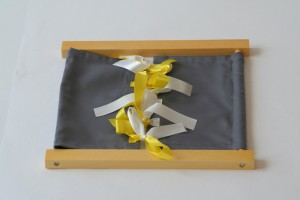 Ribbon Tying Dressing Frame