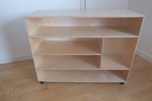 Culture shelf inc castors (105 x 35 x 81.5cm)