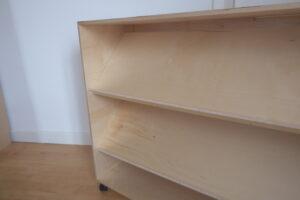 Library inc castors   (105 x 35 x 81.5cm)