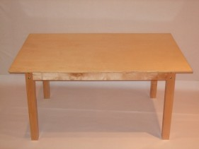 table (120 x 80 x 57 cm)