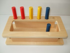toddler imbucare peg box