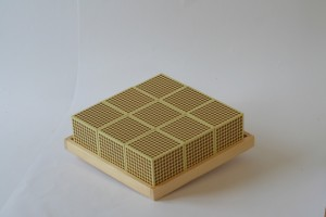 Tray for 9 wooden thousand cubes
