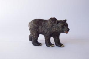 American black Bear           L 11  H 6 cm
