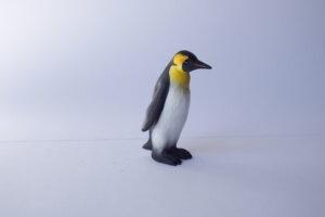 Penguin emperor                  L 5  H 6 cm