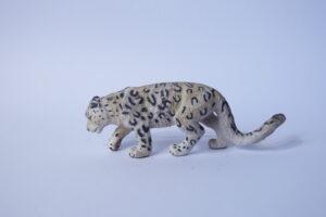 Snow leopard                        L 12.5  H 11.5 cm