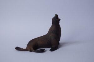 Sea lion                                  L 11.5  H 7.5 cm