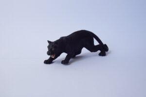 Black Panther                        L 11  H 3.5 cm