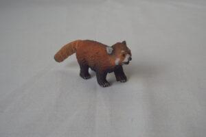 Red Panda                             L 9  H 4 cm