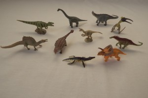 Mini dinosaurs set 1          average size   L 8.5  H 4 cm