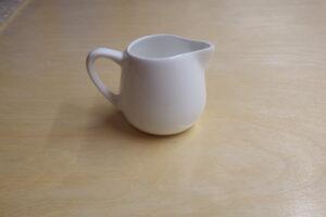 Ceramic pitcher 70ml           (8 x 6 x 5.5 cm)